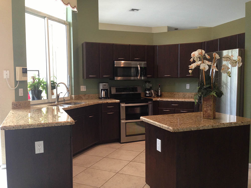 Kitchen Cabinets - Factory Direct Renovations Group